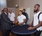Honkbal club Curaçao Neptunus brengt bezoek aan het Curaçaohuis